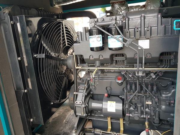 Trong máy phát điện xoay chiều 3 pha có 3 cuộn dây cùng tần số, biên độ